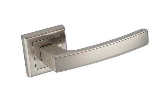 Klamki do drzwi zewnętrznych i wewnętrznych