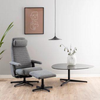 Jakie zalety ma skórzany fotel z podnóżkiem?