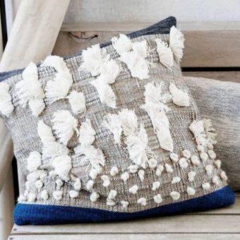 Sposoby aranżacji poduszek dekoracyjnych