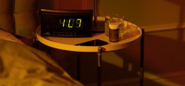 Jakie są zalety posiadania szafki nocnej?
